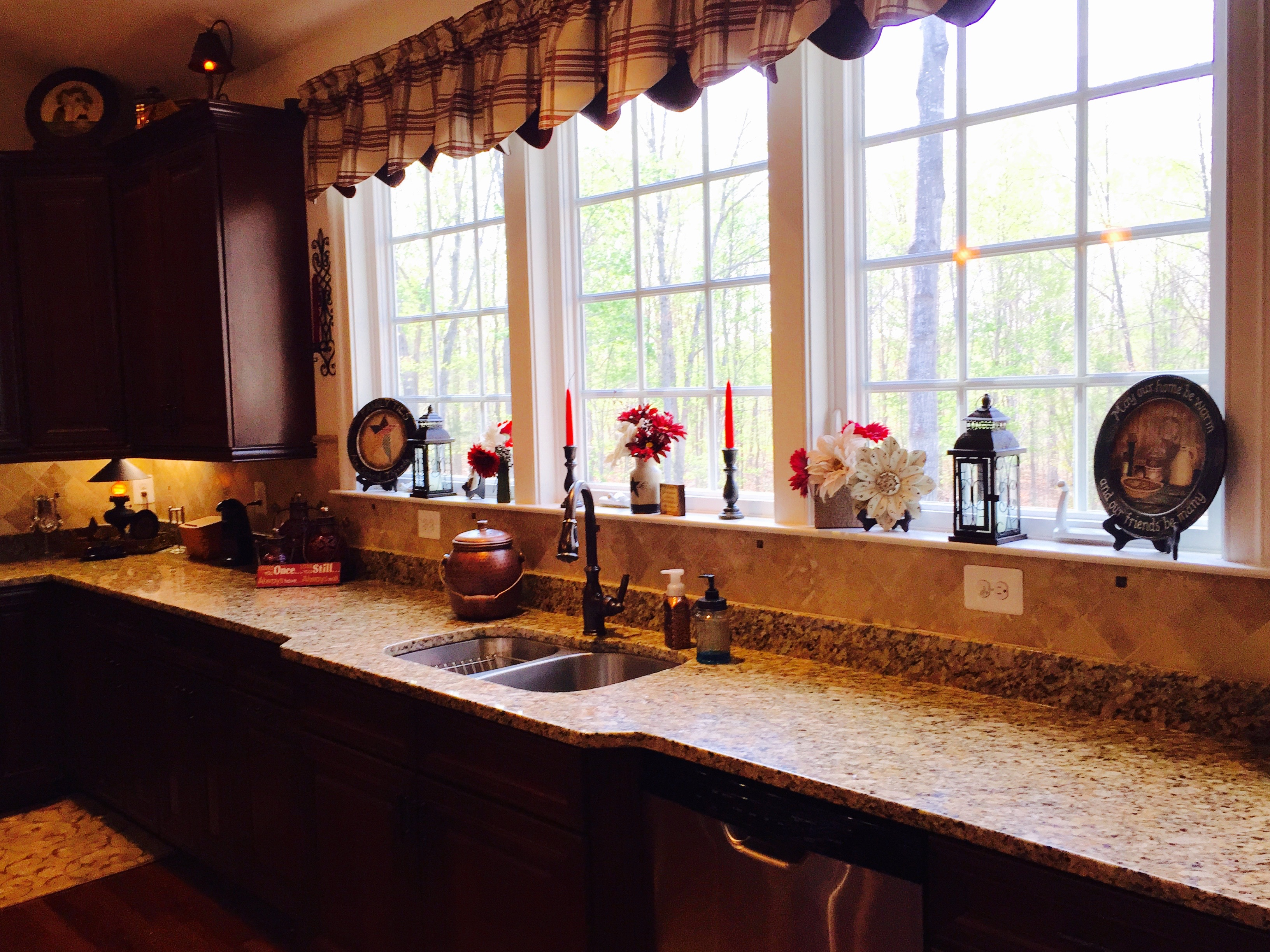 kitchen window decor cottage img0282 img7095 img7098 country kitchen craft corner